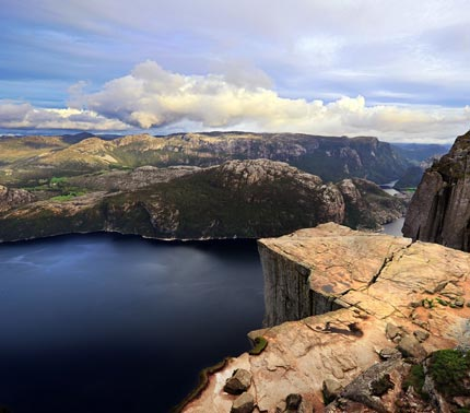 Spectacular views from the cliff of Preikestolen